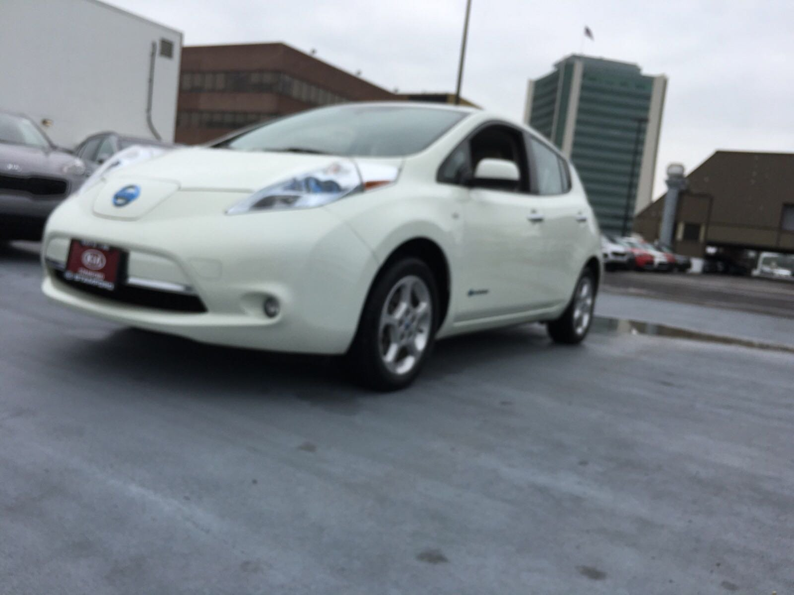 Pre-Owned 2012 Nissan LEAF